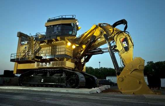 Photo of Caterpillar's 6120B H FS, a giant felled by the mining slowdown