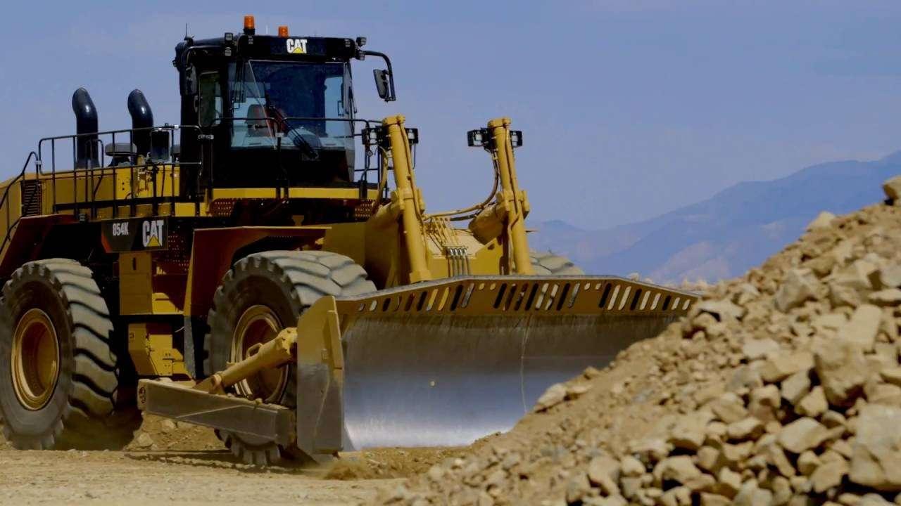 Meet The Pros Cat 174 Wheel Dozers Caterpillar Global Mining