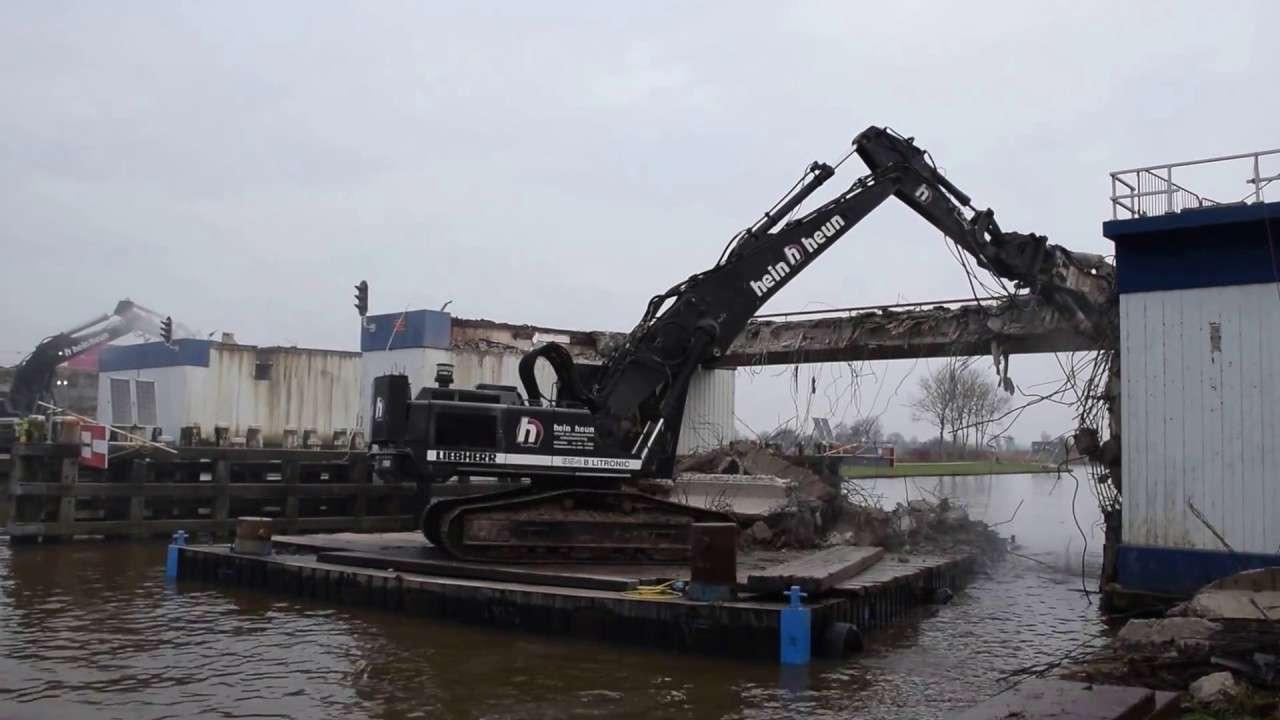 bridge demolition with liebherr r954b from a pontoon